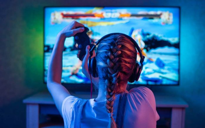 Gamers Get a $25,000+ Scholarship to Go to College