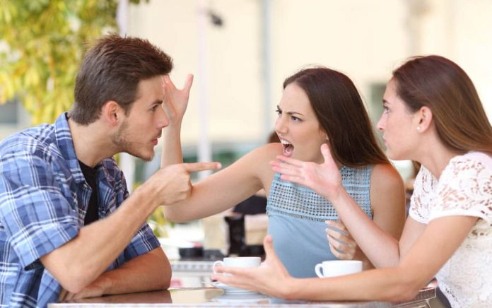 7 Signs Your Family Is Toxic